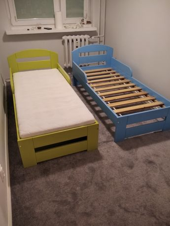 Łóżko drewniane z szufladą