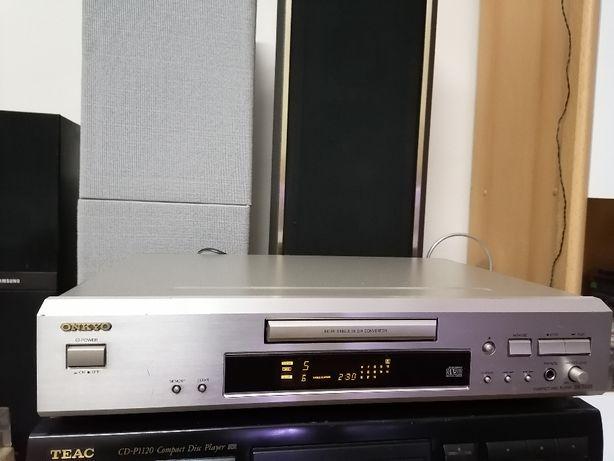 Odtwarzacz CD ONKYO DX-7333