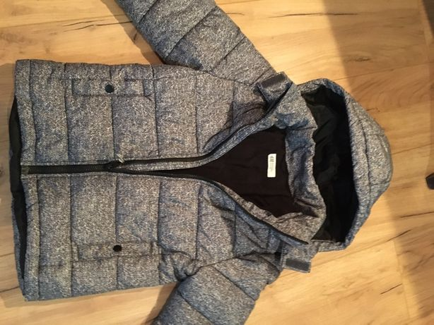 Kurtka zimowa 122 cm , bardzo ciepla H&M , kaptur