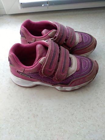 Продам кроссовки для девочки elefanten 28 размера