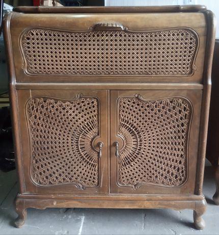 Stara drewniana komoda , szafka po gramofonie