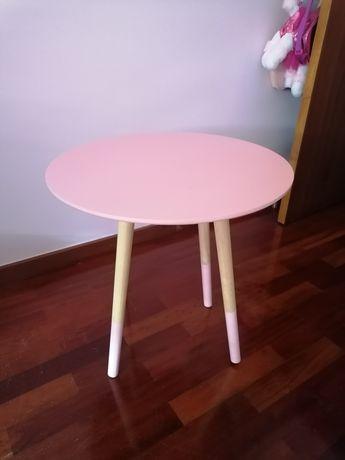 Mesa de apoio rosa