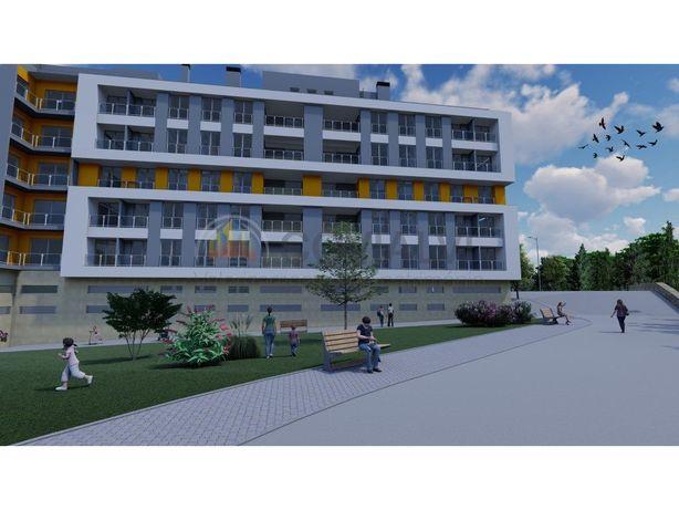 Apartamento T1 3 ºDrtº Trás em Construção