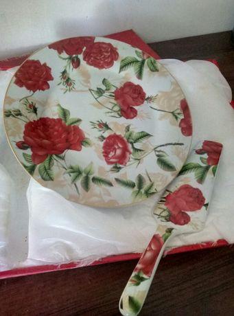 Блюдо для торта с лопаткой
