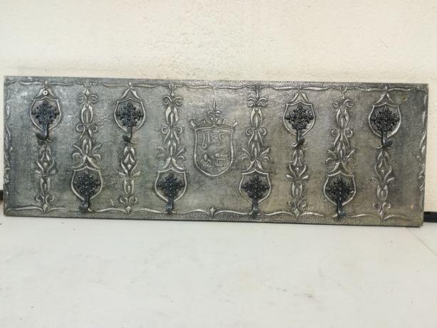 Cabide Trabalhado em Metal