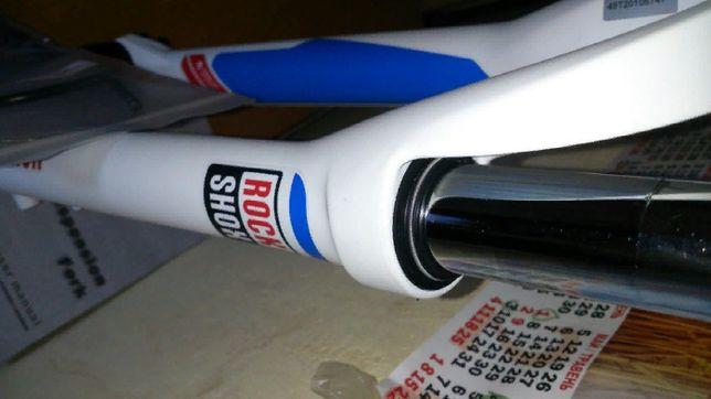 Продам новую вилку Rock Shox XC 28 TK coil 29 дюймов Ход 100 мм