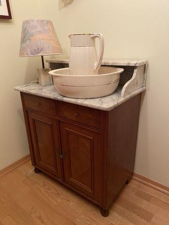 Toaletka z okresu międzywojennego, po renowacji