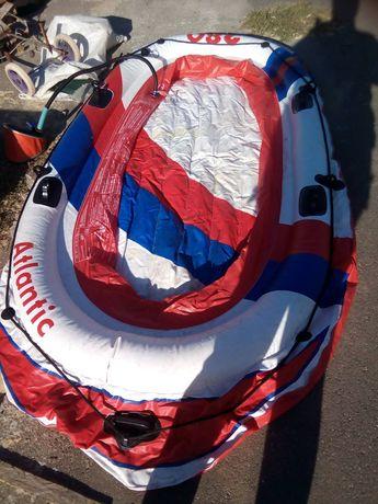 Продаеца лодка надувная