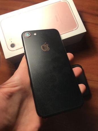 Идеальный iPhone 7 rose gold 128 gb, в черной пленке!