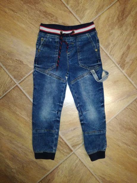 Spodnie dżinsowe roz. 104