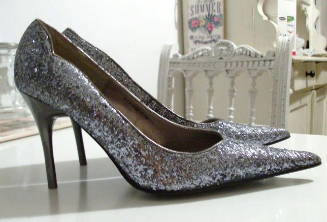 """Sprzedam nowe srebrne szpilki """"Dorothy Perkins """" roz.38 9,5 cm obcas"""