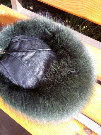 женская шапка , кожаная с мехом