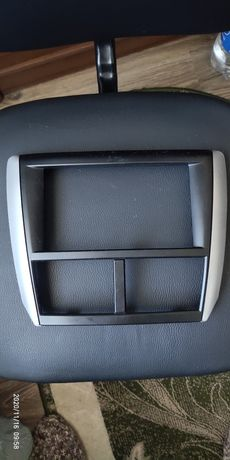 Рамка магнитолы Субару