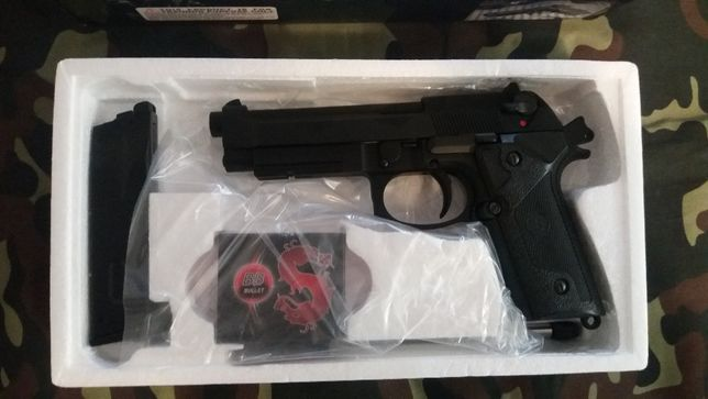 Pistola para airsoft Bereta m9. (green gas) . Nova.