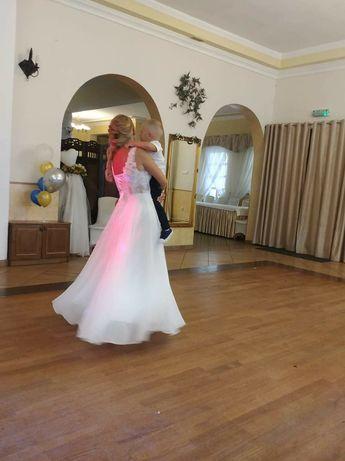 Sukienka ślubna piekna