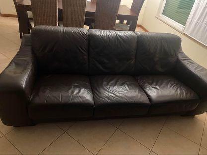 Sofa 3 lugares em pele