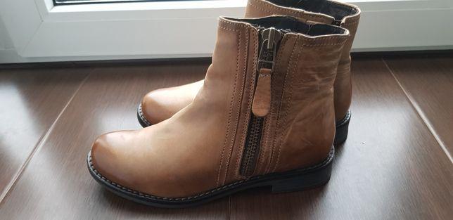 Шкіряні чобітки 36р