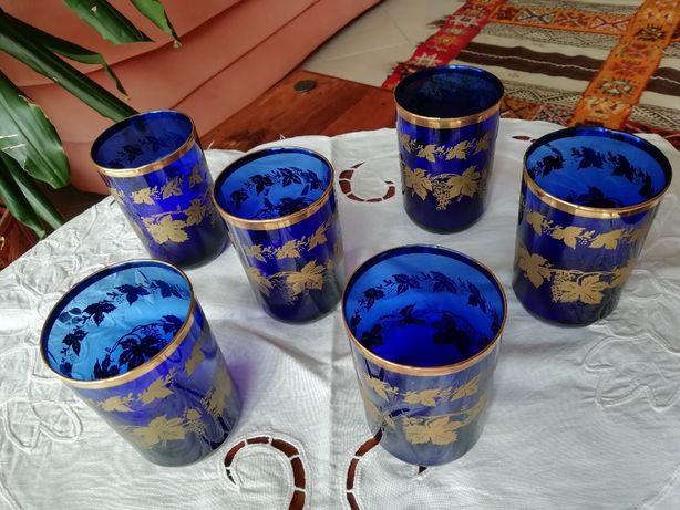 Copos árabes para chá