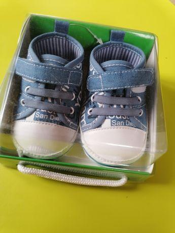 Nowe trampeczki buciki Cocodrillo niemowlęce / dla niemowląt 0-3 m-ce