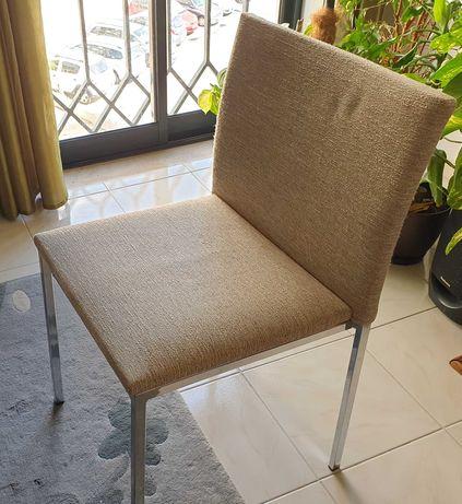 6 cadeiras modernas brancas