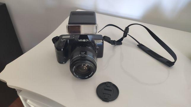 Minolta Dynax 3000i com objetiva Tokina AF 35-70