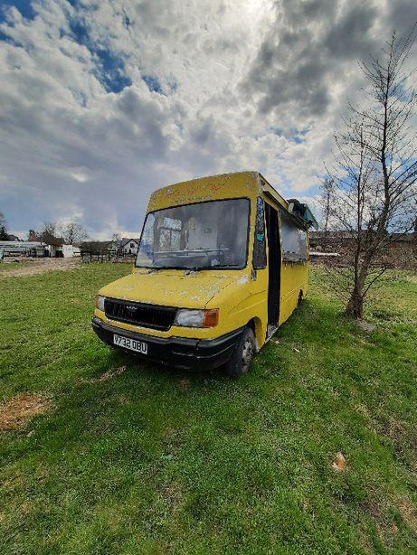 Samochód gastronomiczny Food Truck