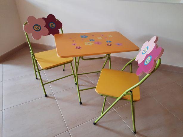Mesa + 2 cadeiras para criança, madeira maciça