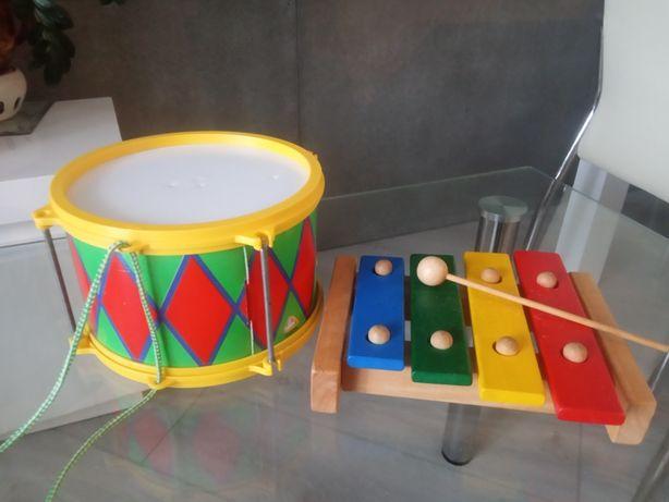 Instrumenty muzyczne,bebenek,cymbalki drewniane.