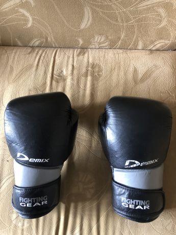 Боксерские перчатки Demix FIGHT GEAR 12 унций.  Кожа