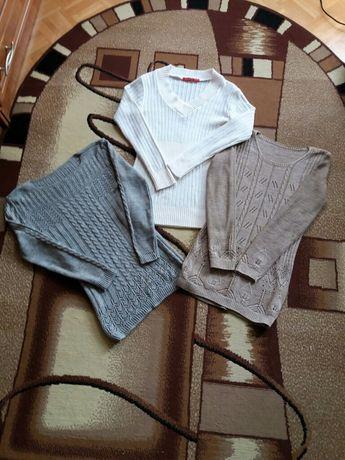 Sweterki damskie rozmiar S.Trzy sztuki
