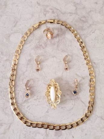 Ouro cordão de ouro, brincos e broche