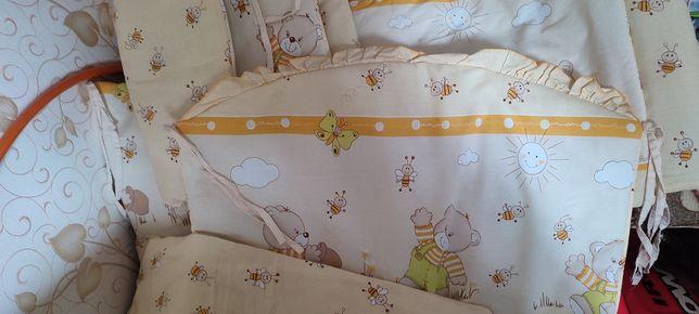 Захист на ліжечко +покривало і Подушечка в подарунок