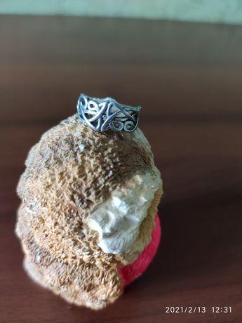 Серебрянное кольцо, серебрянные сережки