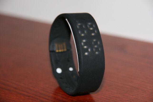 Opaska - Zegarek sportowy, krokomierz USB