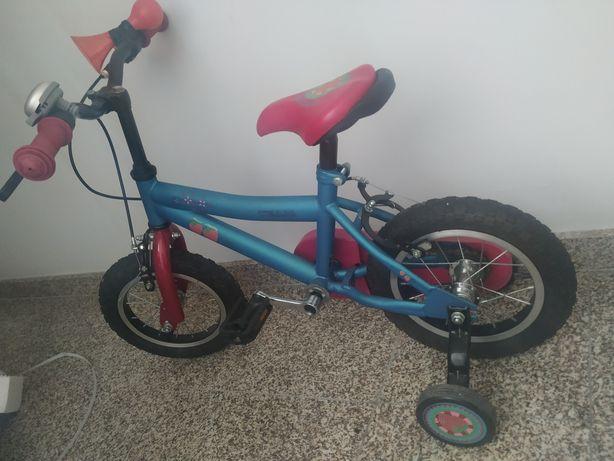 Bicicleta 3-6 anos em óptimo estado