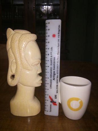 Peças antigas cultura africana.