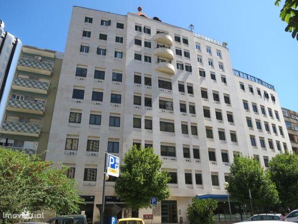 Escritório na Av. Columbano Bordalo Pinheiro - Sete Rios