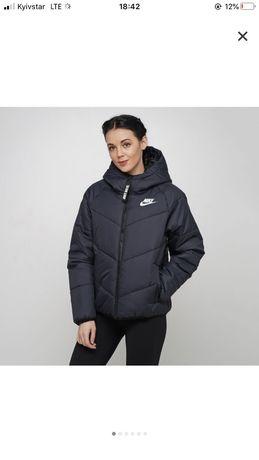 Продам Новую куртку NIKE Оригинальный