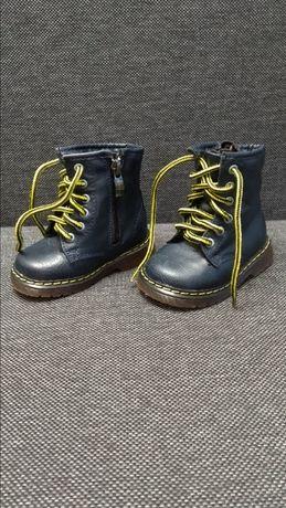 Buty dziecięce Kornecki, zimowe, mało używane, jak nowe