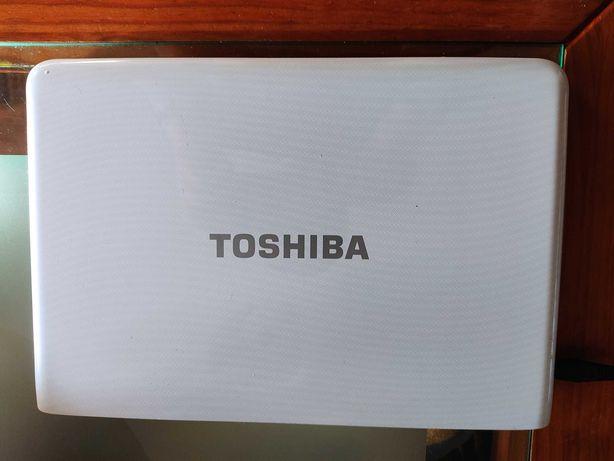 Portátil Toshiba Satellite T230-12V