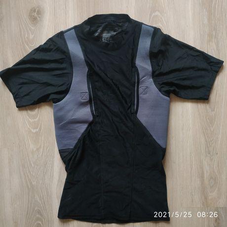 5.11 тактическая компрессионная футболка , размер М, новая.