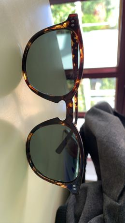 óculos Meller, em ótimo estado com caixa e pano. 30€