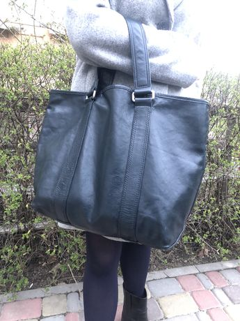 Продам сумку Marc Jacobs, темно синего цвета, натуральная кожа