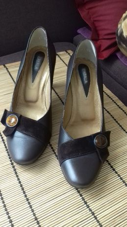 Buty, półbuty na obcasie, skóra, ciemny brąz, z bursztynem, 36,5, nowe