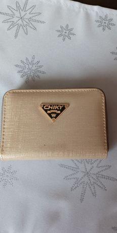 Złoty mały portfel