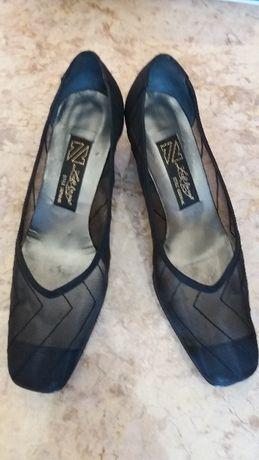 Sapatos de senhora em renda