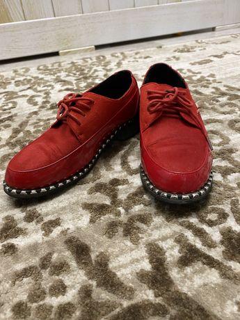 Червоні туфлі!!!