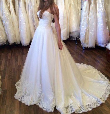 Продається Весільна сукня б/В