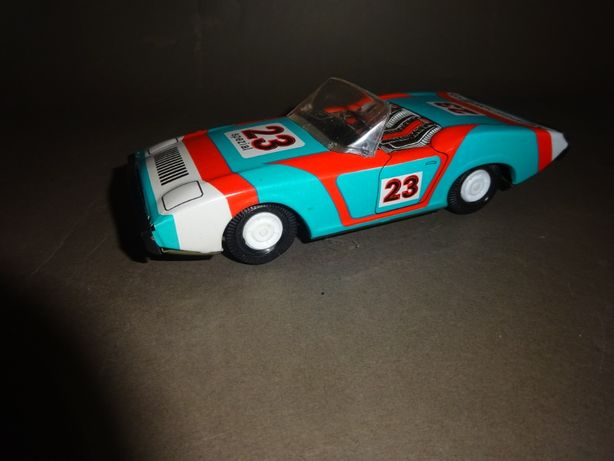 Stare blaszane autko -2