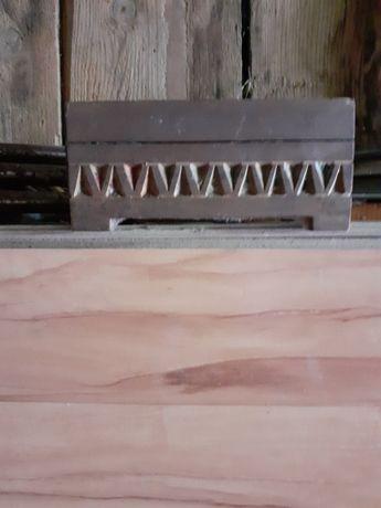 Stara drewniana szkatułka